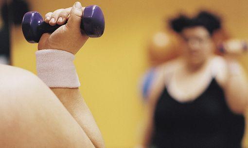 Какими упражнениями заниматься при лишнем весе