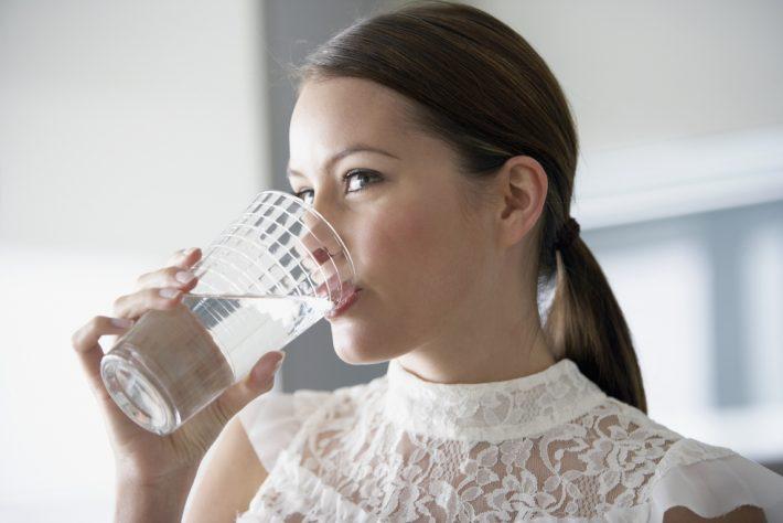 Как похудеть с помощью воды за неделю на 10 кг