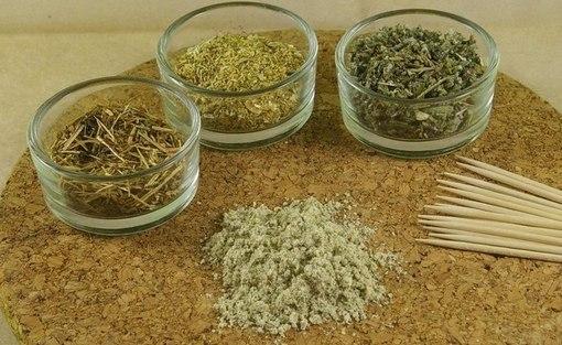 глина и травы
