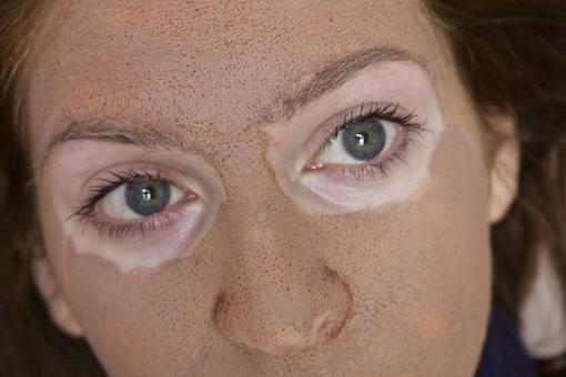 маска для лица из красной глины