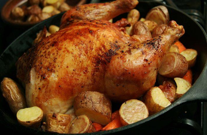 как запечь курицу в духовке1