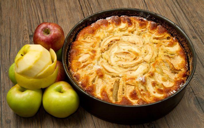 шарлотка с яблоками1