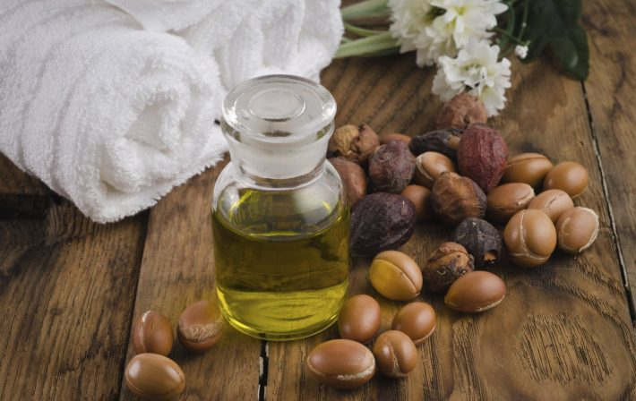 Аргановое масло: полезные свойства, как использовать для лица, тела, волос, ресниц, как отличить подделку