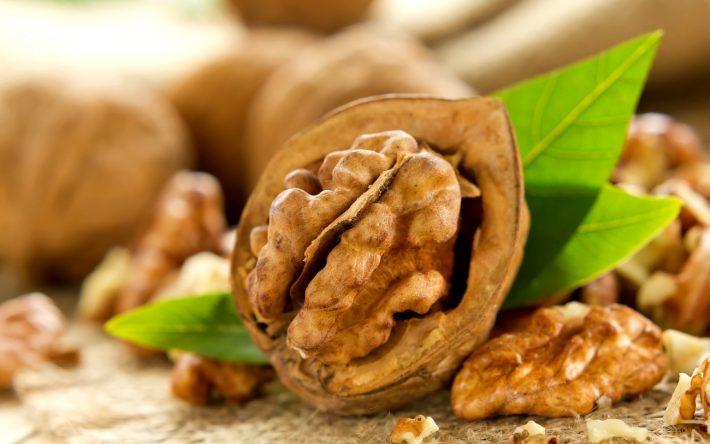 Настойка грецкого ореха против роста волос
