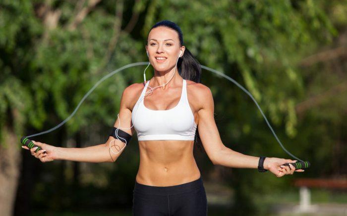скакалка для похудения живота
